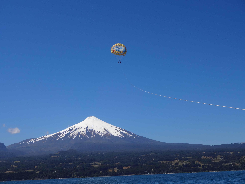Parasailing – hoch über dem See Villarrica, 2015