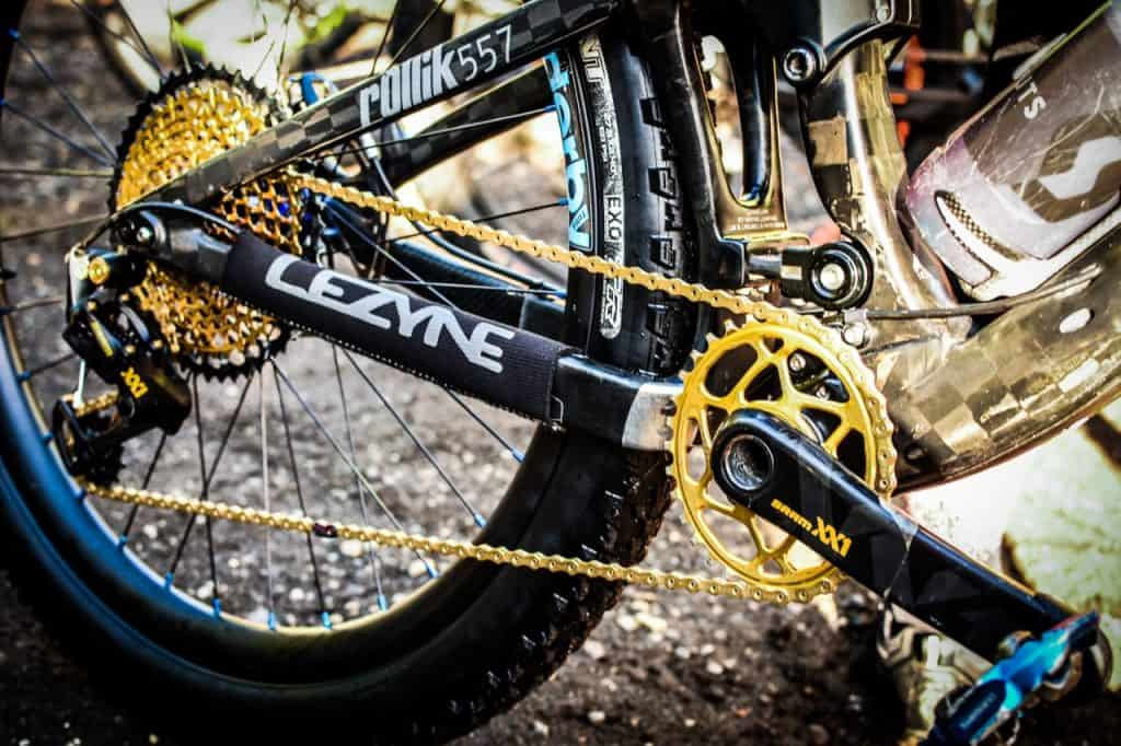 Bike gear yellow black mountain bike