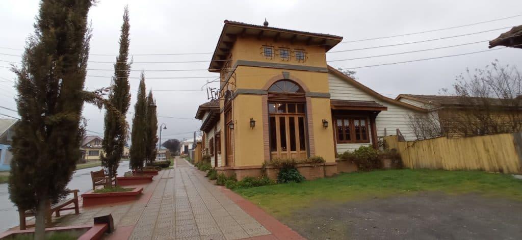 Hotel and Restaurant LEmiliano Capitan Pastene Araucania